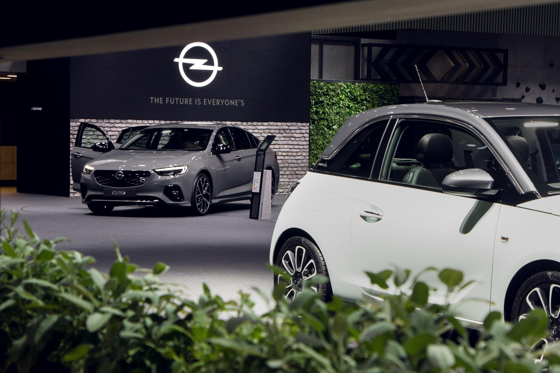Opel Social Night Adam Insignia Gsi